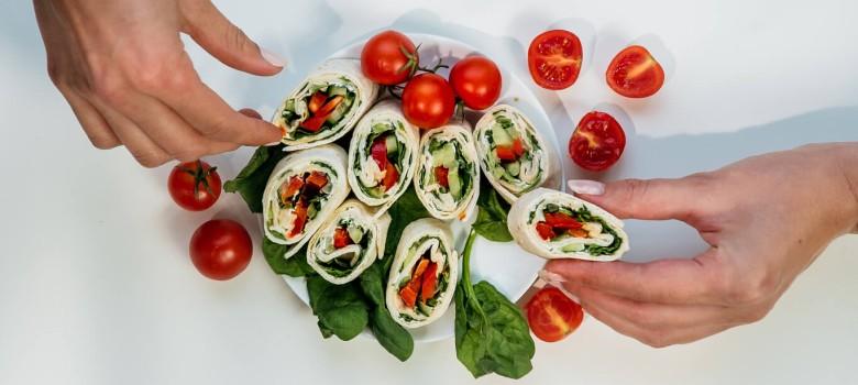 Catering pudełkowy – sposób na oszczędność czasu i walkę z marnowaniem żywności